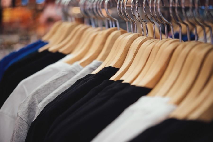Jak dbać o koszulki z nadrukiem?